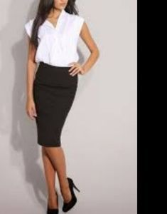 DESIGNER Black pencil knee-length skirt XS / 0